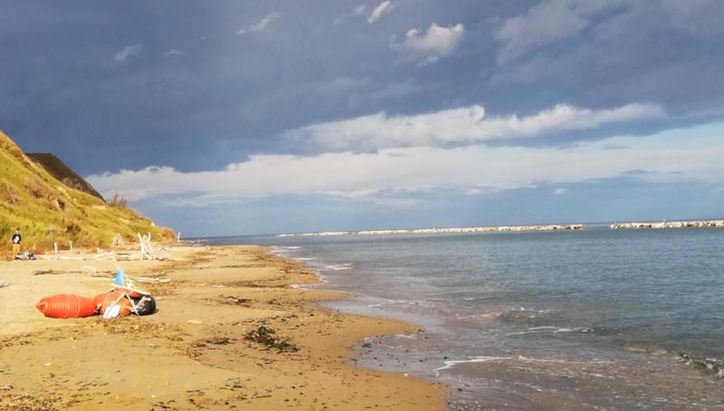 Spiaggia di Fiorenzuola di Focara d'inverno